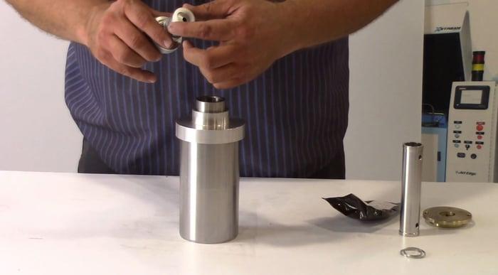 mandrill to insert high pressure seal-web