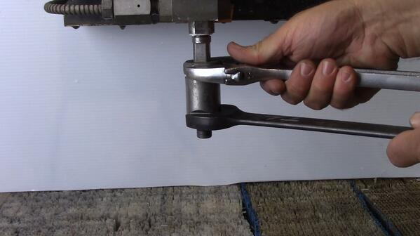 remove abrasive 2 wrenches