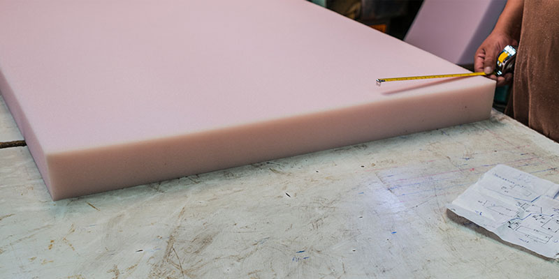 The Advantages to Cutting Foam with Water Jet Cutting Machines